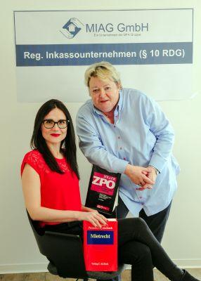 Das Forderungs-Duo der MIAG: Marina Wolf (links) und Gabriele Riecken-Hübner (rechts). Foto: Riecken-Hübner