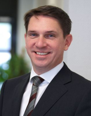 Dirk Henniges, Compass Gruppe