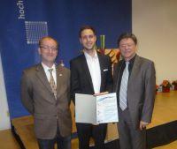 v.l.n.r.: Prof. Dr. Eckhart Körner (HS Mannheim), Leo Hansen Ordóñez, M.Sc. (IfKom-Preisträger), Dipl.-Ing. Jürgen Gottstein (IfKo