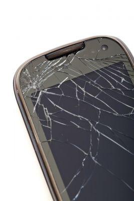 Wer sein Handy versichern will, kann zukünftig unter Versicherung-Domains einen Versicherer finden