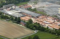Gehört ab sofort zum Familienunternehmen Leipfinger-Bader: das traditionsreiche Merkl-Werk in Vilseck-Schönlind (Oberpfalz).