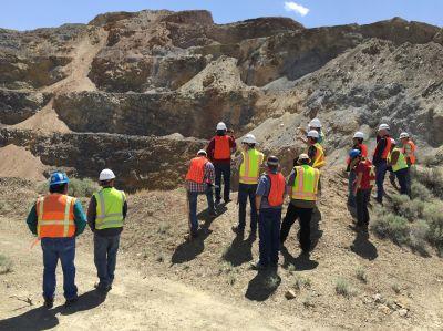 Zu Besuch bei Pershing Gold - Tagebaubesichtigung